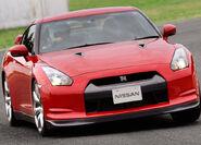 Nissan-GT-R 2008 16