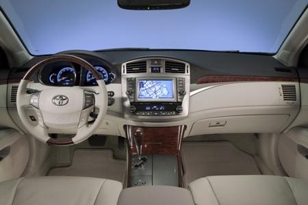 2011-Toyota-Avalon-35