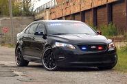 Ford-Taurus-Police-Interceptor-11