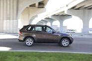 2011-BMW-X5-81