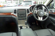 2011 Jeep Grand Cherokee (WK) Limited wagon (2011-03-31)