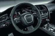 2011-Audi-RS5-Coupe-3