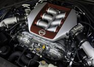 Nissan-GT-R 2011 3