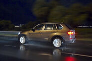 2011-BMW-X5-116