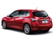 Nissan-tiida 2012 6