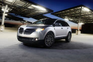 2011-Lincoln-MKX-45
