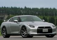 Nissan-GT-R 2008 20