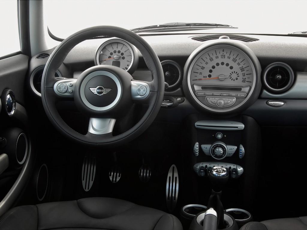 Image - 2gen MINI Cooper interior.jpg | Autopedia | FANDOM powered ...