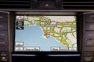 2010-Lexus-LS460-21
