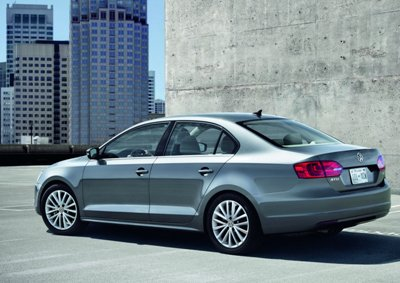 2011-Volkswagen-Jetta-3small
