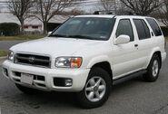 800px-99-04 Nissan Pathfinder