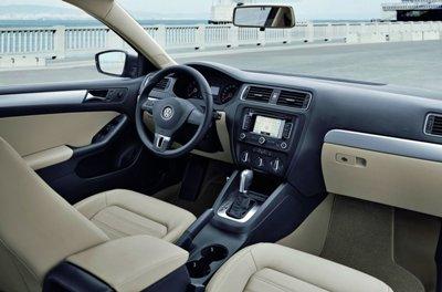 2011-Volkswagen-Jetta-5small