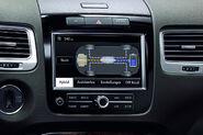2011-Volkswagen-Touareg-14445