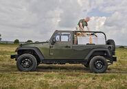 Jeep J8 2