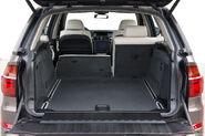 2011-BMW-X5-145