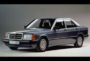Mercedes-Benz-190E 1984 06
