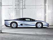 Jaguar-xj220-buying-guide-review-1993-1994-4883 12395 640X470