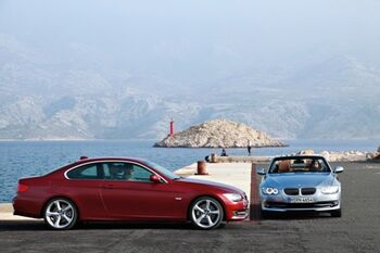 2011-BMW-3-Series-Coupe-Convertible-40small