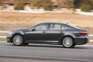 2010-Lexus-LS460-Sport-2