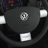 VW-2010-NewBeetleConvertible-FinalEdition-3