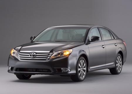 2011-Toyota-Avalon-59