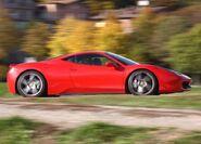 Ferrari-458 Italia 2011 4
