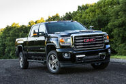 2017-GMC-Sierra-2500HD-All-Terrain-front-three-quarter