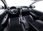 Nissan-tiida 2012 10