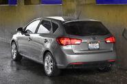 2011-Kia-Forte-Hatchback-150