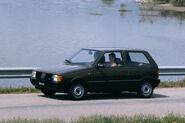 Fiat-Uno-953