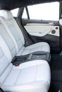 2010-BMW-X6M-4