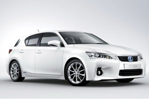 2011-Lexus-CT-200h-6small