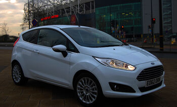 2013-ford-fiesta-front