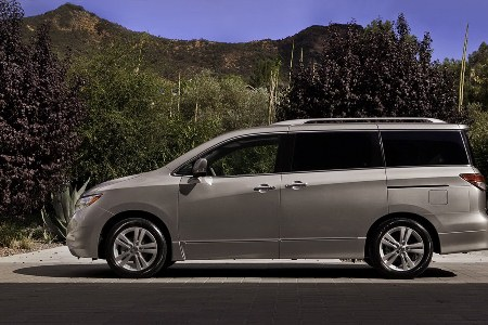 2011-Nissan-Quest-8small