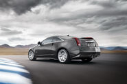 2011-Cadillac-CTS-V-Coupe-14