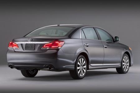 2011-Toyota-Avalon-64