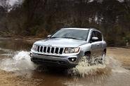 2011-Jeep-Compass-19