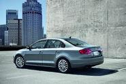 2011-Volkswagen-Jetta-3