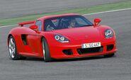 Porsche-carrera-gt-photo-5469-s-450x274