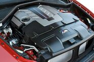 2010-BMW-X6M-24