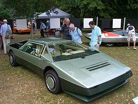 Aston Martin Bulldog-2