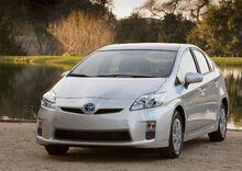 2010-Toyota-Prius-3small