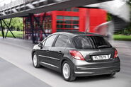 2010-Peugeot-207-5d-13