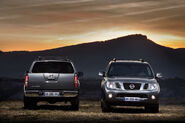 2011-Nissan-Pathfinder-Navara-13