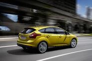 2011-Ford-Focus-12