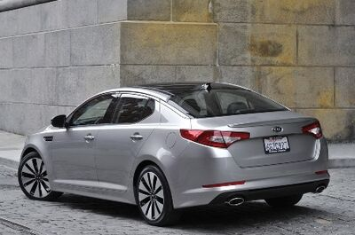 2011-Kia-Optima-4small