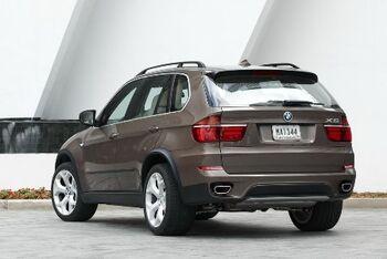 2011-BMW-X5-189small