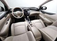 Nissan-tiida 2012 9