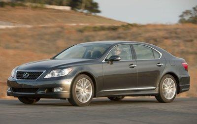 2010-Lexus-LS460-Sport-8