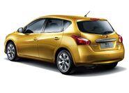 Nissan-tiida 2012 5